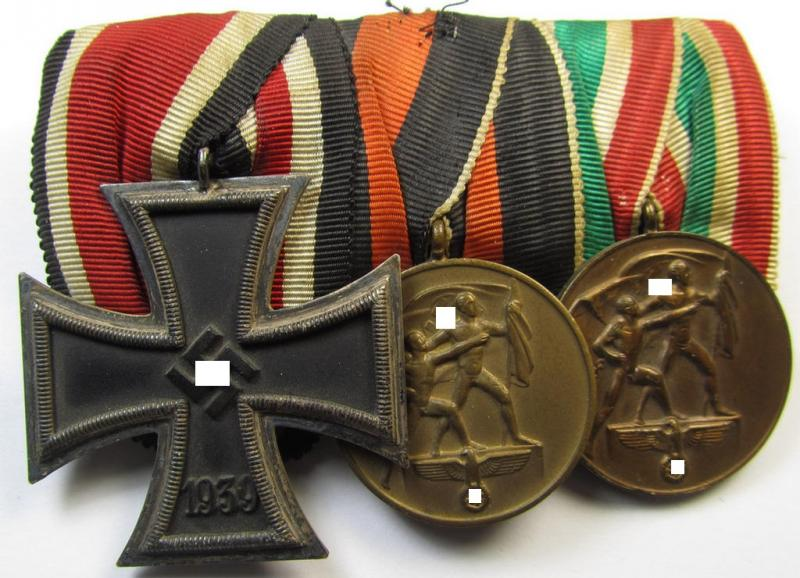 Superb - and truly rarely found! - three-pieced WH (Heeres) medal-bar (ie. 'Ordenspange') showing resp. an: 'EKII. Klasse' and both the Czech- and/or Memel 'Anschluss'- (ie. occupation-) medals