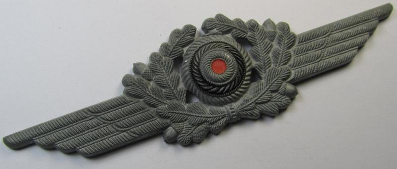WH (Luftwaffe) typical zinc- (ie. 'Feinzink'-) based cap-wreath (ie. ('Kokarde für Schirmmütze') as was intended for usage on the various enlisted-mens'- (ie. NCO's-) type LW-visor-caps (ie. 'Schirmmützen')