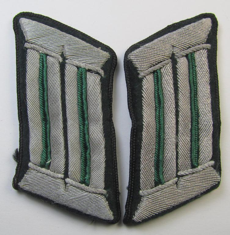 Attractive - and fully matching! - collar-tab-pair as piped in the darker-green-coloured branchcolour (and piped in black!) as was specifically intended for a lower-ranked, administrative-officer ie. 'Wehrmachtsbeamte des gehobenen Dienstes'