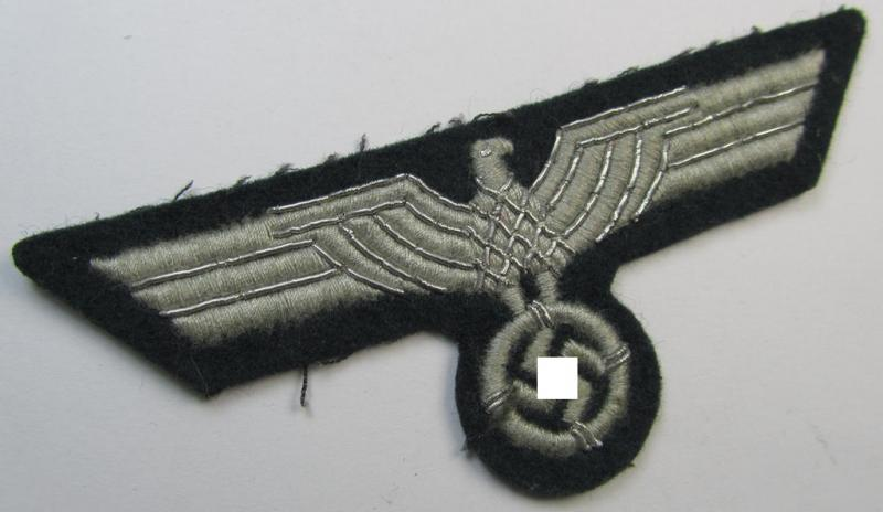 Interesting, 'Extra Qualität', WH (Heeres) EM/NCO- (evt. officers'-) type, machine-embroidered breast-eagle (ie. 'Brustadler für Mannschaften u. Uffz. des Heeres') as fairly unusally embroidered onto a darker-coloured background